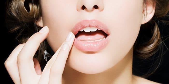 Бальзам для губ дома